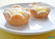 Citrónové kvietky. Krásne koláčiky, ktoré sa hodia na oslavu, posedenie či ako vianočné pečivo. Tento recept vyzerá úžasne, takže chopte všetky ingrediencie