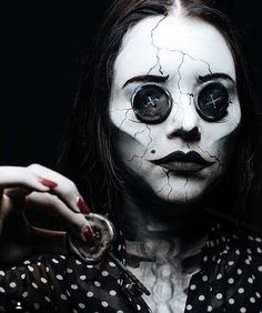 """20.5k Likes, 104 Comments - The Horror Gallery (@thehorrorgallery) on Instagram: """"Other Mother makeup by @aalexandriabishop #coraline"""""""