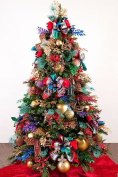 If you have a simple ascetic interior - you can go wild and crazy with your Christmas Tree - make it as sweet as possible :) !