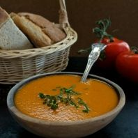 Crema de tomate y especias Organic Recipes, Vegan Recipes, Ethnic Recipes, Vegan Food, Hummus, Thai Red Curry, A Food, Health And Wellness, Recipies