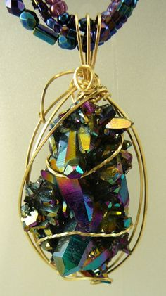 Freeform Wire Wrap Pendant. Shiny and Natural Cluster Gemstone
