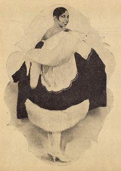 Josephine Baker   Ilustração Magazine Fashion Spread by Black History Album, via Flickr
