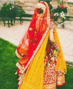 38 Super Ideas for indian bridal lehenga red jewellery Indian Bridal Fashion, Indian Bridal Wear, Bridal Looks, Bridal Style, Gold Lehenga, Lehenga Choli, Lehenga Style, Indian Wedding Lehenga, Indian Weddings