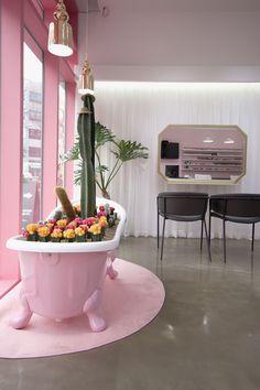 네일이 예쁘다 - 네일샵인테리어 Modern Nails, Facade, Restaurant, Public Spaces, Remodeling Ideas, Interior, Decor, Blue Prints, Decoration