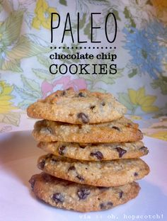 oh, hopscotch: paleo chocolate chip cookies! Not really paleo but they still sound delicious! Primal Recipes, Low Carb Recipes, Real Food Recipes, Cooking Recipes, Health Recipes, Diet Recipes, Chicken Recipes, Paleo Chocolate Chip Cookies, Paleo Cookies