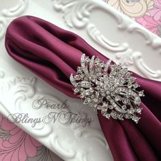 Ex-large Elegant vintage like crystal rhinestone silver/pewter metal finish brooch NAPKIN RING holders that are perfect for any special occasion.…