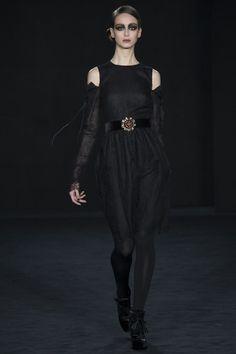 Daks Fall 2016 Ready-to-Wear Collection Photos - Vogue
