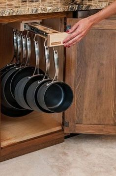 Kitchen Pots And Pans Storage Solutions Awesome storage idea for pots and pans in the kitchen.Awesome storage idea for pots and pans in the kitchen. Kitchen Pantry, New Kitchen, Kitchen Decor, Pantry Cabinets, Kitchen Small, Country Kitchen, Decorating Kitchen, Kitchen Interior, Smart Kitchen