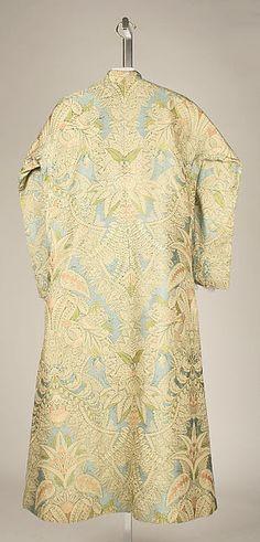 Banyan Date: ca. 1730 Culture: French Medium: silk Accession Number: C.I.53.74.7a, b