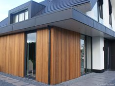 Exterior House Siding, Facade House, Replacing Front Door, Roof Extension, Roof Detail, Flat Roof, Garage Doors, Cottage, Modern Houses