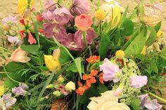 mooi seizoensboeket gemaakt met passie Delft, Plants, Plant, Planets