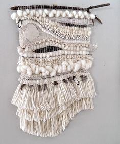 Art Fibres Textiles, Textile Fiber Art, Weaving Textiles, Weaving Art, Weaving Patterns, Loom Weaving, Tapestry Weaving, Hand Weaving, Stitch Patterns