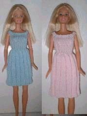 Knitting Dolls Clothes, Crochet Barbie Clothes, Doll Clothes Barbie, Knitted Dolls, Barbie Dress, Barbie Doll, Barbie Stuff, Doll Stuff, Crochet Barbie Patterns