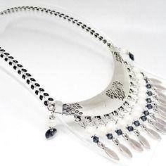 "Collier plastron perles cristal swarovski ""  graphite "" nacrées swarovski "" pearlescent white "" connecteur,chaîne…"