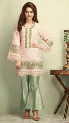 Pakistani Frocks, Pakistani Wedding Outfits, Pakistani Dress Design, Pakistani Dresses, Stylish Dresses For Girls, Simple Dresses, Nice Dresses, Indian Designer Outfits, Designer Dresses