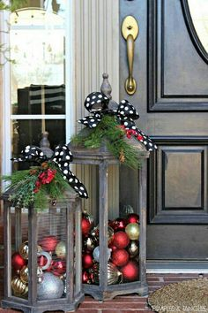 these are the BEST Homemade Christmas Decorations &…, DIY Christmas Lanters.these are the BEST Homemade Christmas Decorations &… DIY Christmas Lanters.these are the BEST Homemade Christmas Decorations &…. Noel Christmas, Christmas Projects, Winter Christmas, Christmas Porch Ideas, Xmas Ideas, Simple Christmas, Holiday Ideas, Christmas 2019, Front Door Christmas Decorations