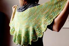 Little House Shawl FREE knitting pattern ||| Slate Falls Press