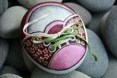 Nº30 painted pebble hand painted stone painted rock by LOSESTONES