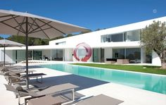 Exclusive Properties by ibiza360