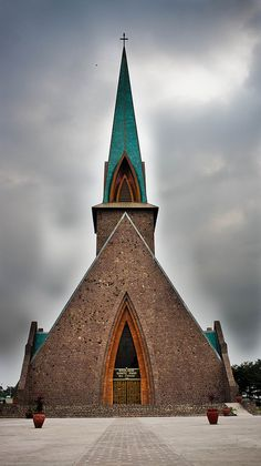Catholic Church in Brazzaville, Congo Sacred Architecture, Religious Architecture, Church Architecture, Architecture Design, Houses Of The Holy, Modern Church, Take Me To Church, Cathedral Church, Church Building