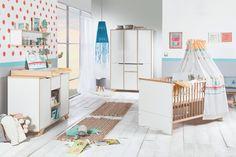 Une jolie chambre blanc et bois de hêtre ! Voici la chambre Tokio de Schardt :) #chambrebebe #bois #schardt