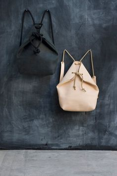 Go back to cool ~ minimal rucksack leather and rope