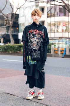 "𝐏𝐑𝐀𝐃𝐔𝐇 on Twitter: ""street styles from Tokyo Fashion Week Fall 2019… "" Tokyo Street Style, Asian Street Style, Japanese Street Fashion, Tokyo Fashion, Harajuku Fashion, Cool Street Fashion, India Fashion, London Street, Japanese Fashion Styles"