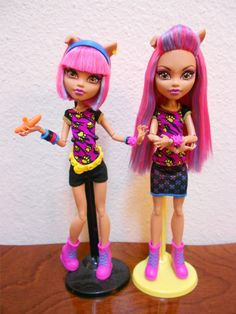 Photo of jasper scary circus for fans of monster high my new i picked up a second creepateria howleen because howleen is my fave and no one can stop me mwa ha ha anyways i changed her up with a haircut pierced her winobraniefo Image collections