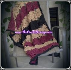 Homespun Pineapple Lapghan or Throw - Free Crochet Throw Pattern This one is made with bulky wt yarn. free pattern from the Crochet Lounge Crochet Throw Pattern, Crochet Quilt, Knit Crochet, Crochet Geek, Crochet Hats, Crochet Squares, Granny Squares, Afghan Crochet Patterns, Crochet Stitches