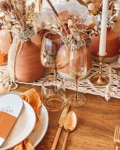 Terra cotta pots and decor on the table You are in the right place about garden pot design Here we o Wedding Trends, Wedding Designs, Boho Wedding, Floral Wedding, Fall Wedding, Wedding Colors, Dream Wedding, Rustic Wedding, Decoration Evenementielle