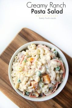 Creamy Ranch Pasta Salad #pastasalad #creamypastasalad #pasta #ranch #summerpasta #easyrecipe #familyfreshmeals Mayo Pasta Salad Recipes, Creamy Pasta Salads, Veggie Recipes, Appetizer Recipes, Dinner Recipes, Cooking Recipes, Ham Recipes, Yummy Recipes, Recipies
