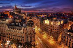 Madrid :) uno se siente como en casa en esa ciudad, sobre todo porque los madrileños, por lo general, son amistosos y abiertos con los visitantes