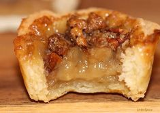 Urb'n'Spice Ultimate Recipe Series Is there anything more Canadian than butter tarts made with pure maple syrup? I truly believe you will agree that these Ultimate Canadian Maple Butter Tart Köstliche Desserts, Delicious Desserts, Dessert Recipes, Yummy Food, Plated Desserts, Canadian Food, Canadian Recipes, Canadian Maple, Canadian Dishes