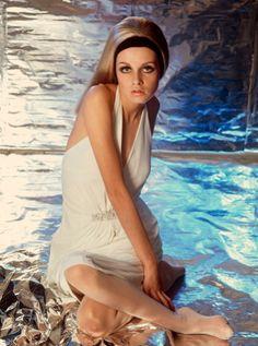Twiggy.1960s fashion.