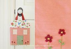 O post de hoje é para inspirar todas as mamães corujas ou as amantes de bonequinhas de tecido. No lindíssimo blog daCharla Anne, encontrei uma proposta de projeto muito divertida!...