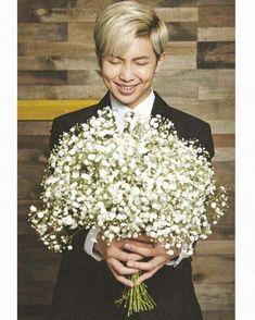 Bangtan Boys ❤ Namjoon (rapmon) i wish that those flowers were for me. Jimin, Rapmon, Bts Bangtan Boy, Bts Boys, Seokjin, Hoseok, Kim Namjoon, Bts Rap Monster, Monster 2