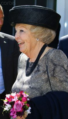 Putten, May 9, 2014 HRH Princess Beatrix HRH Princess Beatrix opens The Schauw in Putten, in this new residential care centre, 40 people are taken care of.