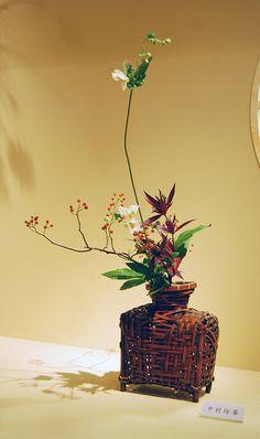 Ikebana Ohara in a square bamboo basket | Flickr - Photo Sharing!
