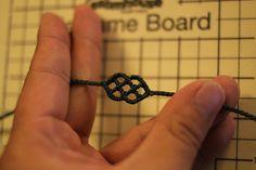 All about Bracelets Macrame Knots, Macrame Jewelry, Macrame Bracelets, Jewelry Art, Jewelry Bracelets, Diy Bracelets With String, Micro Macrame Tutorial, Lace Bracelet, Micro Macramé