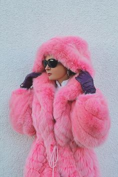 ha ha pink fox fur parka just because every girl needs one! Pretty In Pink, Perfect Pink, Fur Fashion, Pink Fashion, Fashion Women, Pink Purple, Hot Pink, Magenta, Rosa Style