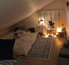 Small room bedroom - 38 cute girls bedroom ideas for small rooms 35 Small Room Bedroom, Home Bedroom, Bedroom Decor, Night Bedroom, Bedroom Ideas For Small Rooms Cozy, Bedroom Plants, Bedroom Loft, Bedroom Furniture, Cute Girls Bedrooms