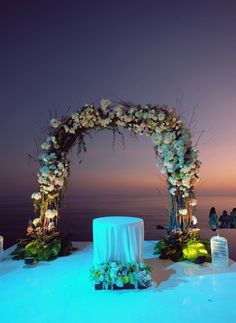 Decorations For Wedding Ceremony Waiting Sunset | visit www.lovelyweddingideas.com