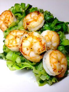 Pesto zinguini with shrimp