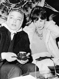 Françoise Arnoul et Simone Signoret photographiées au café de l'aéroport d'Orly Paris France en 1961 Francoise Arnoul, Coffee Drinks, Drinking Coffee, Yves Montand, Paris France, Coffee Time, Tea, Celebrities, September