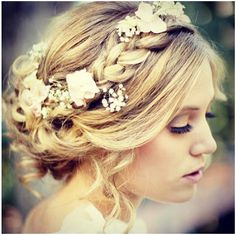 flowers in the braid. cool.