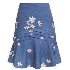 Floral skirt with slant pleats in the middle and flare at the bottom African Fashion Dresses, African Dress, Blouse And Skirt, Dress Skirt, Modest Fashion, Fashion Outfits, Womens Fashion, Skirt Outfits, Cool Outfits