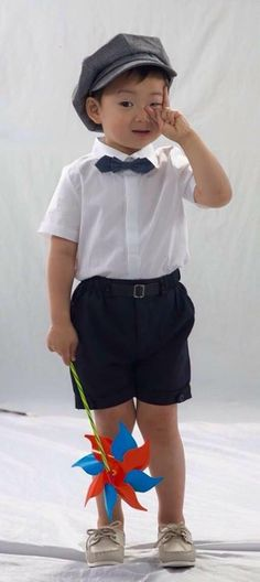 Mingukie is like little V of BTS Cute Babies, Baby Kids, Superman Kids, Song Daehan, Korean Tv Shows, Song Triplets, My Love Song, Cute Kids Fashion, Baby Alive