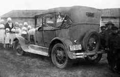 Kuvahaun tulos haulle vanha auto valokuva Antique Cars, Antiques, Vehicles, Vintage Cars, Antiquities, Antique, Car, Old Stuff, Vehicle