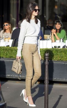 Kendall Jenner looks effortless as she strolls around Paris! We love that chic sweater!
