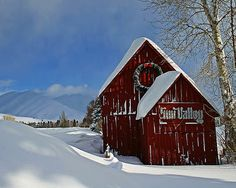 Sun Valley, I love it there.  Such a cozy romantic place in the middle of nowhere.  It was cold though at night when we went sleigh riding.  I remember this little barn.